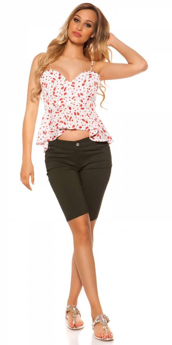 Trendy jeans look Bermudas...