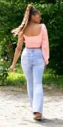 Sexy Flared highwaist Jeans mit Rissen