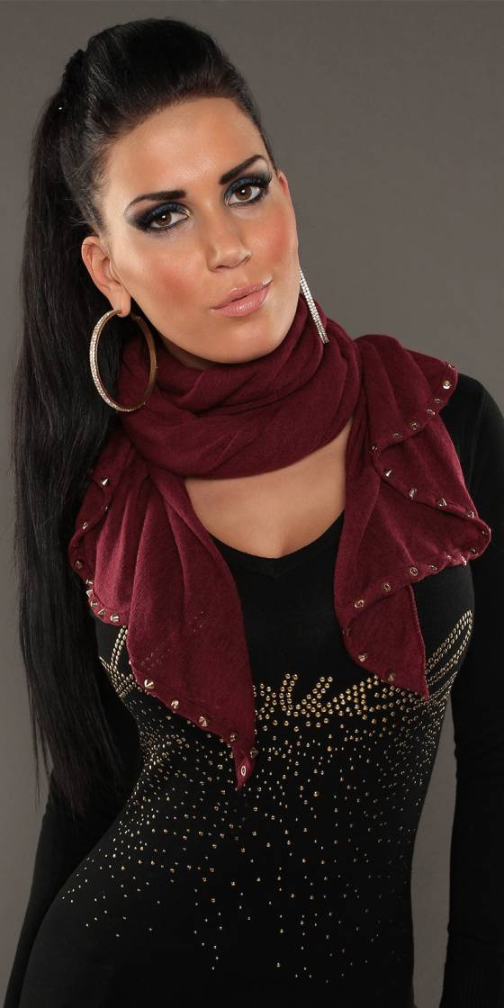 Trendy scarf with studs