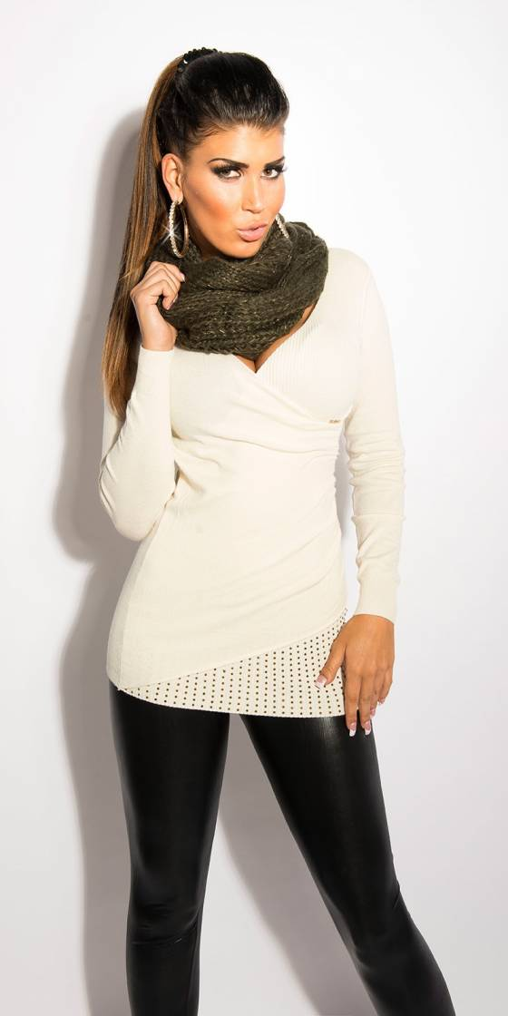 Trendy loop-scarf