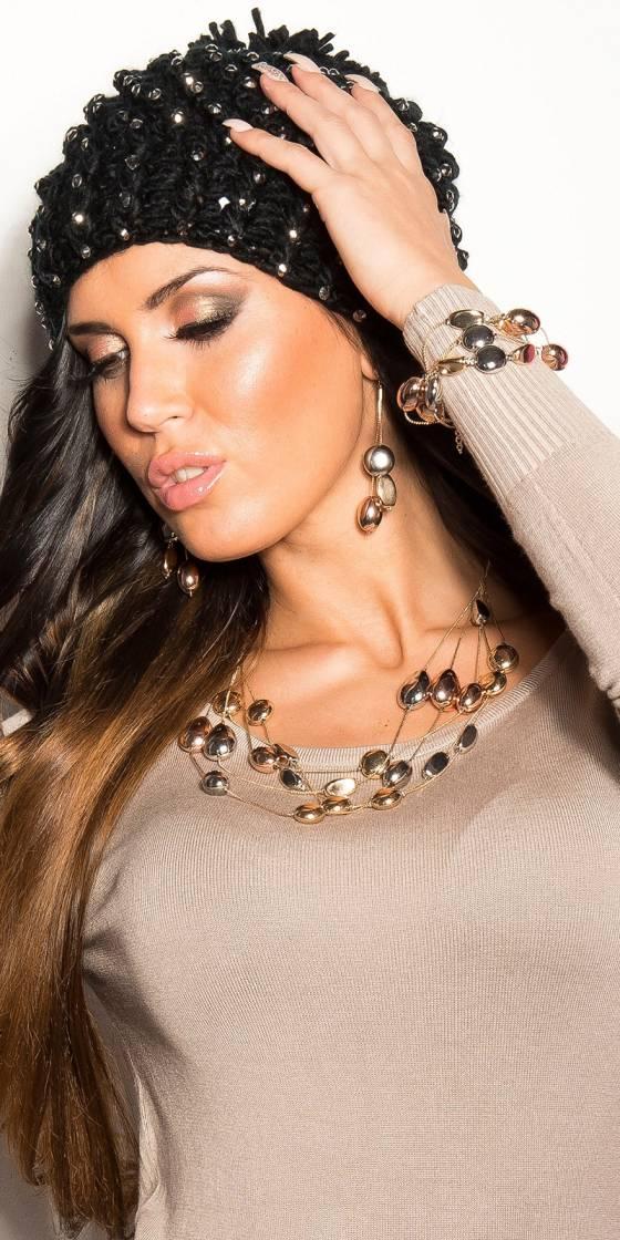Trendy pending earrings...