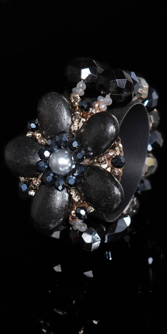 Trendy bracelet with pearls