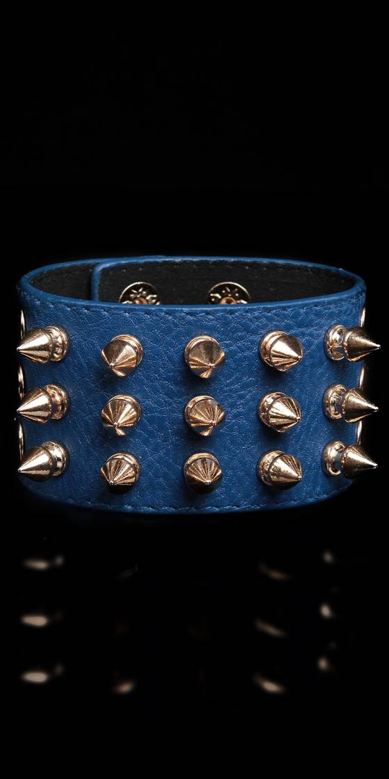 Sexy bracelet with rivets